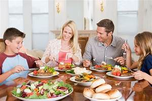 Importance of Eating Together as a Family - K6 Wellness ...