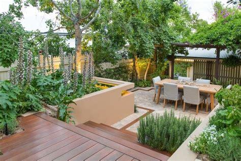 Ideen Garten Aufteilung by Kleingarten Anlegen Terrasse Mit Essplatz Gestalten