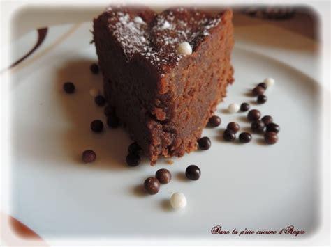 dessert avec chocolat de paques fondant au chocolat ou comment recycler les chocolats de p 226 ques dans la p tite cuisine d