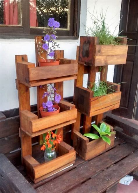 reused pallets wooden  pots stands wood pallet furniture