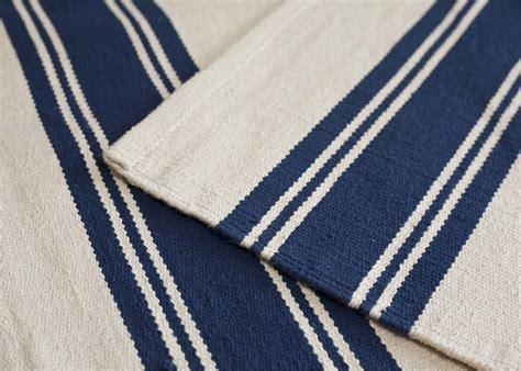 charmant tapis raye bleu et blanc 2 tapis interieur exterieur a rayures bleu marine et blanc
