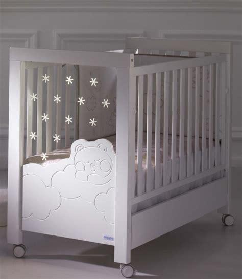chambre de bebe original lit bb avec leds sommier inclinable lit bb 60 x 120