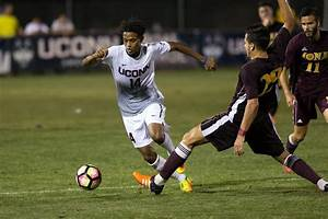Men's Soccer Earns Conference Honors - UConn Today