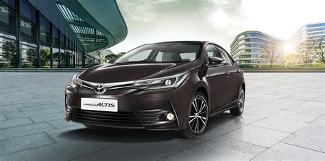 Toyota Corolla Altis Backgrounds by Toyota Corolla Altis Vs New Model Comparison Of Price