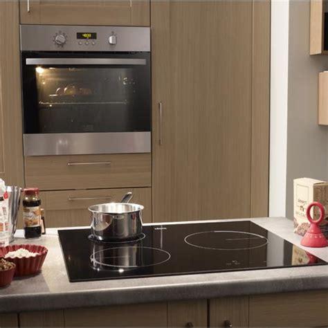 chaine cuisine plus cuisine équipée aménagement cuisine et kitchenette
