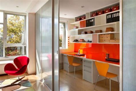 Minimalistische Einrichtung Des Kinderzimmerskleines Kinderzimmer In Orange by 29 Kinder Schreibtisch Designs F 252 R Moderne Kinderzimmer