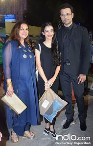 Shah Rukh Khan, Aishwarya Rai Bachchan Cheer For Abram And ...