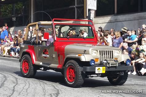 jurassic park jeep university of new orleans student transforms jeep wrangler
