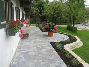 Gartengestaltung Mit Naturstein Mauern Wasserläufe Und Terrassen : terrassen und gartenanlagen ~ Orissabook.com Haus und Dekorationen