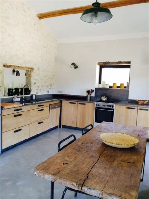 realisation cuisine cuisine bois chêne scandinave réalisation de cuisines sur mesure en chêne et plan de