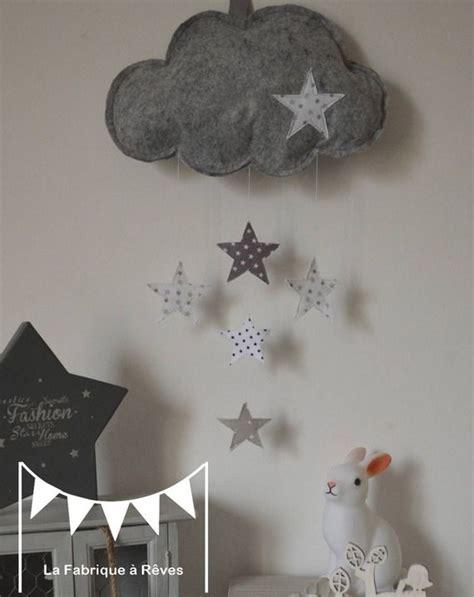 suspension chambre bebe mobile suspension nuage et étoiles gris clair gris foncé