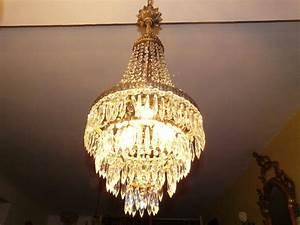 Lustre à Pampilles : lustre montgolfi re lustre cristal ~ Teatrodelosmanantiales.com Idées de Décoration