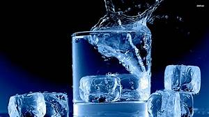 Ice Cubes In A Glass - WallDevil