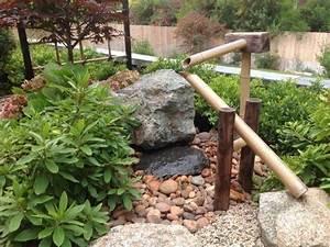 Japanischer Garten Gestaltungsideen : wasserspiele in einem japanischen garten traditioneller japanischer garten mit bambus ~ Pilothousefishingboats.com Haus und Dekorationen