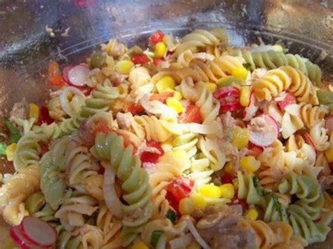 salade fraiche au surimi pates et crudites