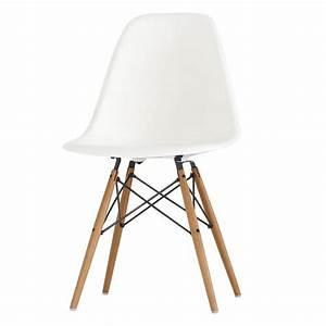 Eames Chair Weiß : bauhausklassiker von bekannten designern wie le corbusier ~ A.2002-acura-tl-radio.info Haus und Dekorationen