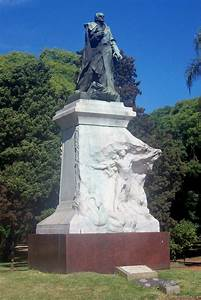 Parque Tres De Febrero  Monumentos