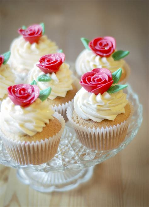 day cupcakes i love cupcakes romantic valentines day cupcakes