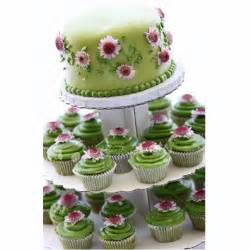 wedding cake and cupcakes wedding cakes pictures green wedding cupcakes