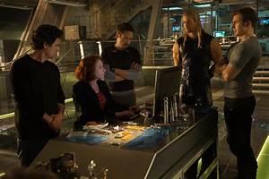 Avengers Age Of Ultron : scarlett johansson talks avengers 2 captain america 3 and black widow solo movie collider ~ Medecine-chirurgie-esthetiques.com Avis de Voitures