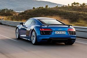 Audi R8 V10 Plus : new audi r8 v10 plus review pictures auto express ~ Melissatoandfro.com Idées de Décoration