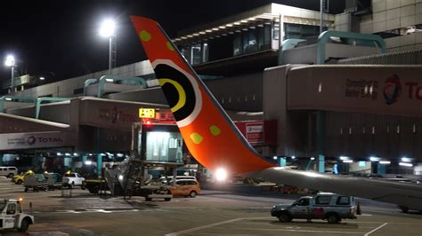 The flight distance between cape town and johannesburg is 787 miles (or 1. Review of Mango flight from Johannesburg to Cape Town in ...