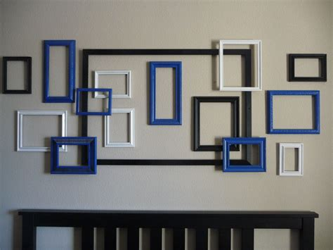 Try these easy and creative diy art projects to take an empty wall from drab to fab. Framed wall art | Wall frame design, Frame decor, Frames on wall