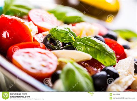 cuisine salade caprese caprese salad salad mediterranean salad