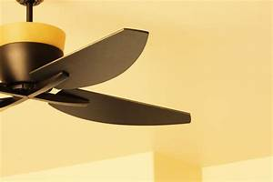 Ceiling fan blade balancing kits to reduce wobble