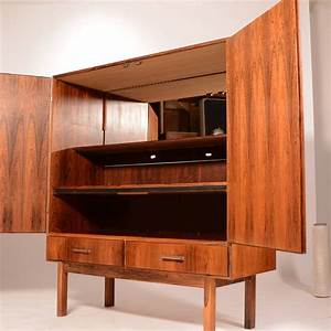 Mid century modern danish rosewood bar cabinet at 1stdibs for Home bar furniture china