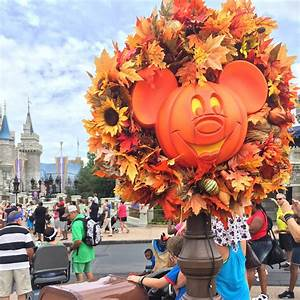 When Tara Met Blog: Tips For Mickey's Not-So-Scary