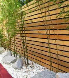best 25 palissade bois ideas on pinterest clotures de With superior deco mur exterieur maison 0 decoration jardin treillis