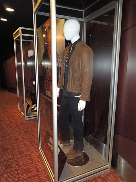 jack reacher attorney actress hollywood movie costumes and props tom cruise and