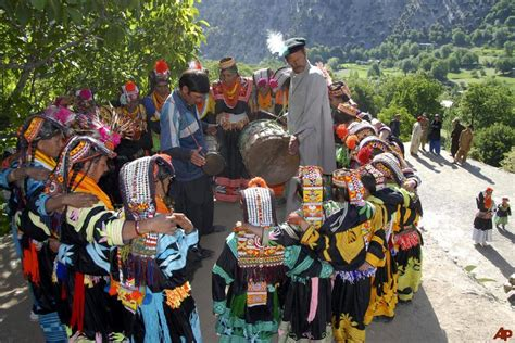 kalash valley trek gilgit baltistan hunza adventure