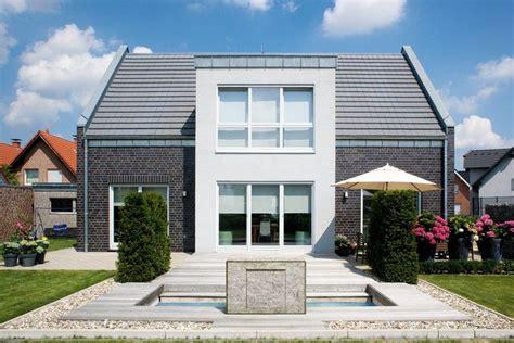 Inneneinrichtung Neuer Komfort Unterm Dach by Dachkonstruktion Satteldach Dachkonstruktion Vom Fachmann