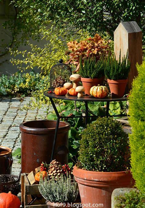 Kuerbis Dekorationsideentisch Dekoration Fuer by Dekoration Mit Hagebutten Herbstdeko Deko F 252 R Innenhof