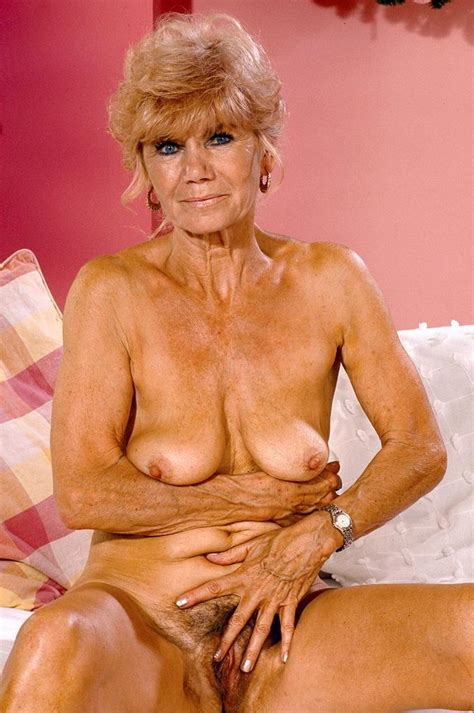 corseted blonde granny spreading her furry fanny xxx milfs