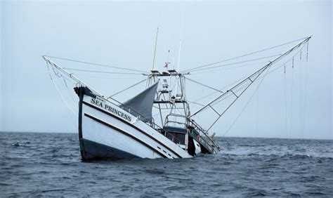 World Cat Boat Sinks by Ww Sinking Boat Jpg