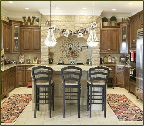 decorating  kitchen cabinets contemporary