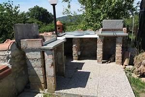 Grillplatz Garten Ideen : grillplatz garten modern ligurien ferienunterkunft 4 personen toskavista nowaday garden ~ Markanthonyermac.com Haus und Dekorationen