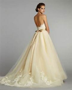Simple cream wedding dress for Simple cream wedding dresses