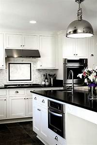 Black and white kitchens ideas photos inspirations for Design idea of classic black and white kitchen