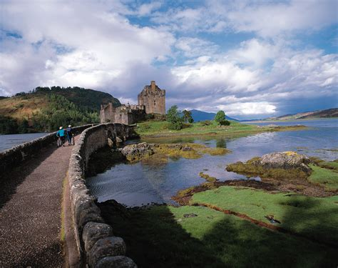 scotland highlands castle castles desktop eilean donan scottish computer wallpapers edinburgh loch schottland famous british backgrounds intensiv wallpapersafari cornwall lovely
