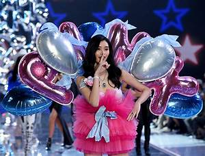 13 Craziest Looks From Victoria's Secret Fashion Show 2015 ...
