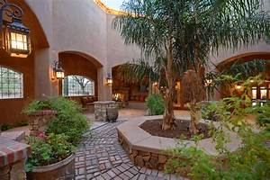 Courtyard, U2013, A, Luxury, Stone, Canyon, Property