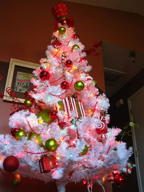 the grinch tree topper whoville decorations my whoville tree notice the tree topper is grinch d