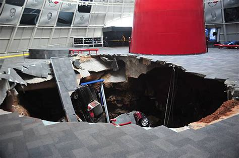 corvette museum sinkhole dirt national corvette museum sinkhole 1 photo 4