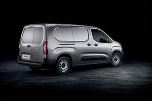 Dimension Peugeot Partner : peugeot partner 2018 new small van official pictures info tech details and dimensions parkers ~ Medecine-chirurgie-esthetiques.com Avis de Voitures