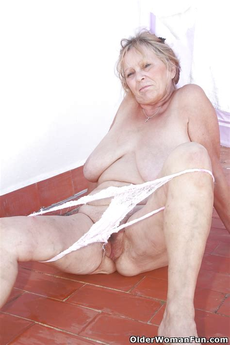 67 year old and british granny isabel from olderwomanfun 14 imgs