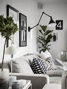 Une Maison Familiale En Noir Et Blanc In 2020  With Images
